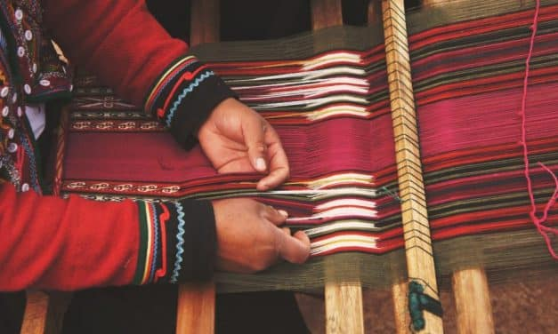 Diseñadora, empresaria y embajadora de los artesanos colombianos